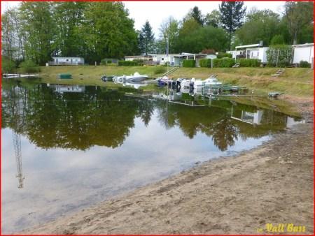 Le petit port du camping...